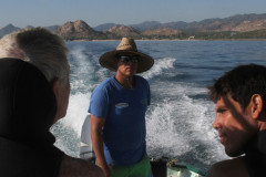 Cabo-Pulmo-divers